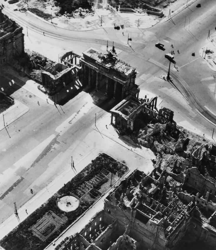 Brandenburger Tor 1945 Berlin Brandenburg Gate Germany
