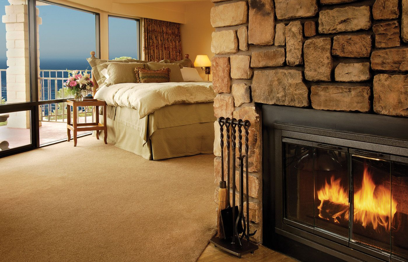 Luxury Hotels Carmel Ca Tickle Pink Inn Sur California August Trip Pinterest And Hotel