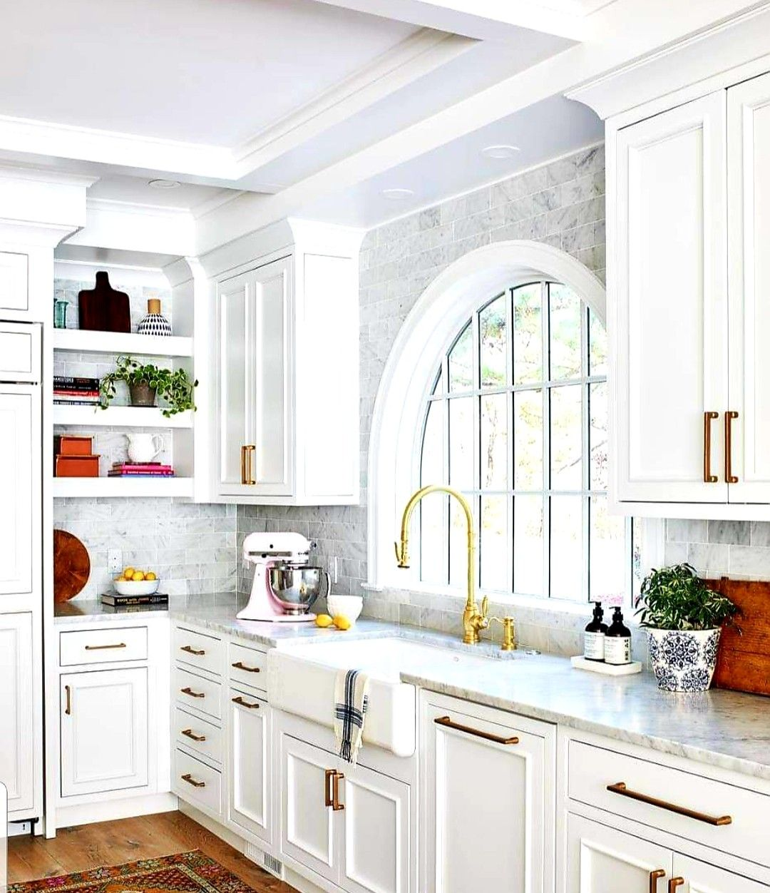 elegant kitchens image by sherry allnutt on kitchen ideas kitchen decor classic white kitchen on kitchen ideas elegant id=39180