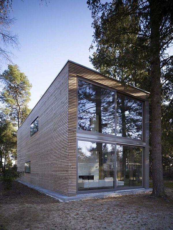 Box-shaped house by Scheidt Kasprusch Architekten