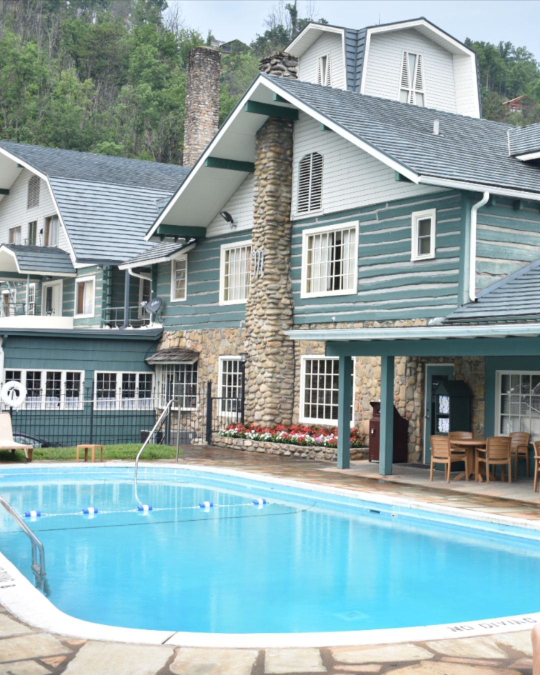 Since 1937 The The Historic Gatlinburg Inn Has Become One Of The