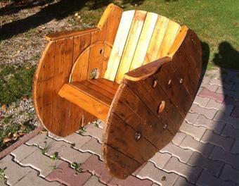 fauteuil en touret de bois bois fauteuil touret en de salon de jardin palettes pinterest. Black Bedroom Furniture Sets. Home Design Ideas
