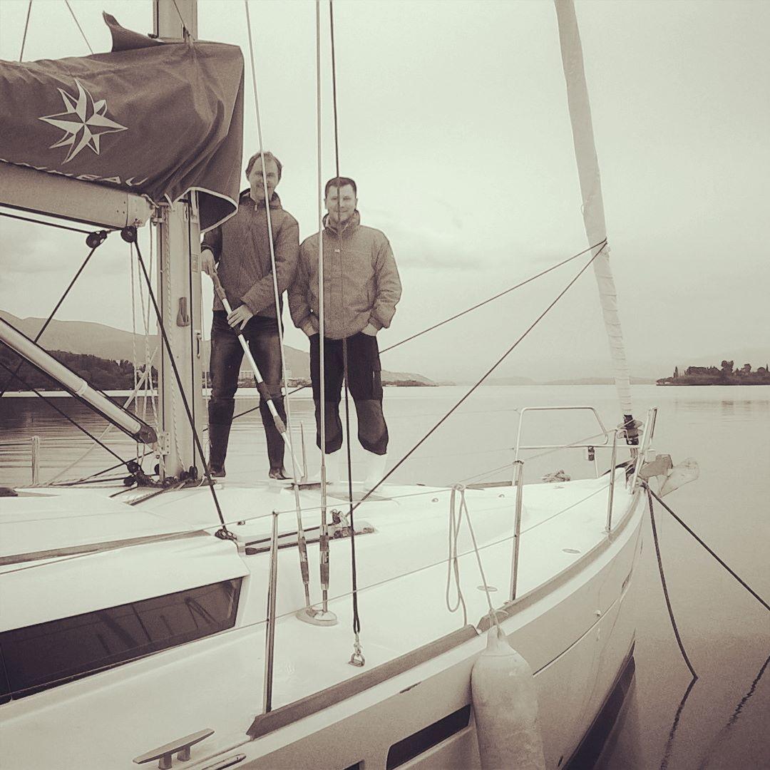 #sea #sail #sailboat #yachts #yacht #yachting #happy #fun #joy #beautiful #blue #water #sailing #sailingschool #sailor #blackandwhite by crewopensail
