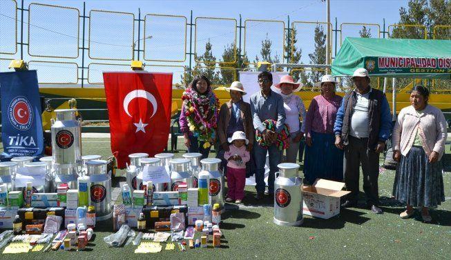 RT @tika_arabic: #تيكا التركية توزع مساعدات انسانية في #بيرو #وأفغانستان #وفيتنام #رمضان #الاغاثة https://t.co/JeTJZSfSdK https://t.co/f1a8LaRkQc
