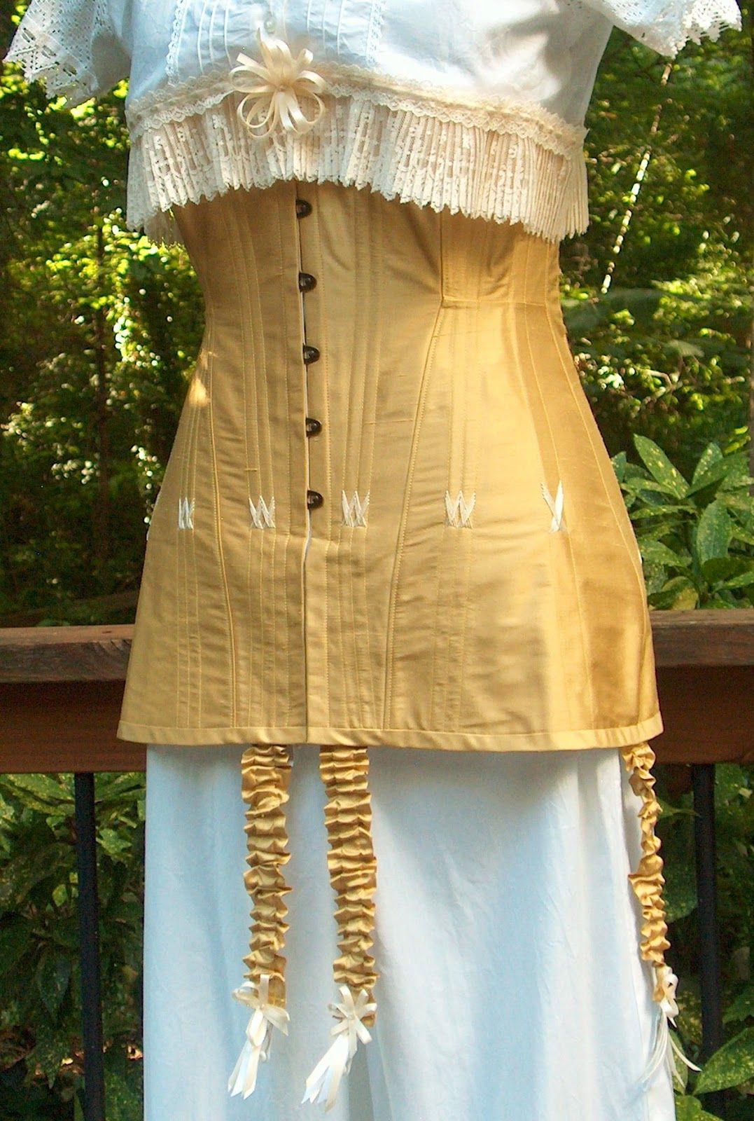 1910 corset by Jeanette Muray