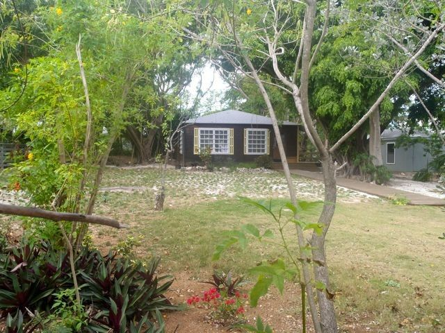 Back Banyans Family Cottage, Walk to Gorgeous... - VRBO