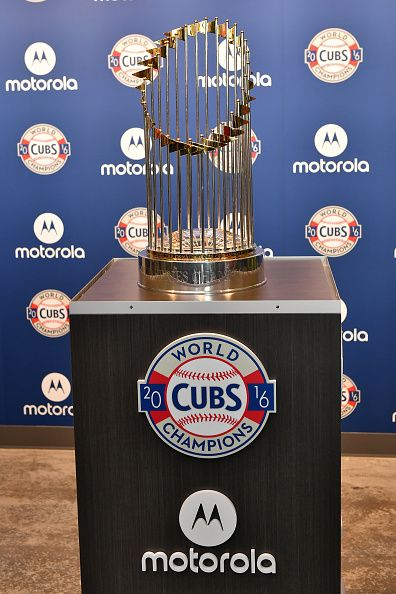 Motorola Helps Unveil The World Series Trophy Within The