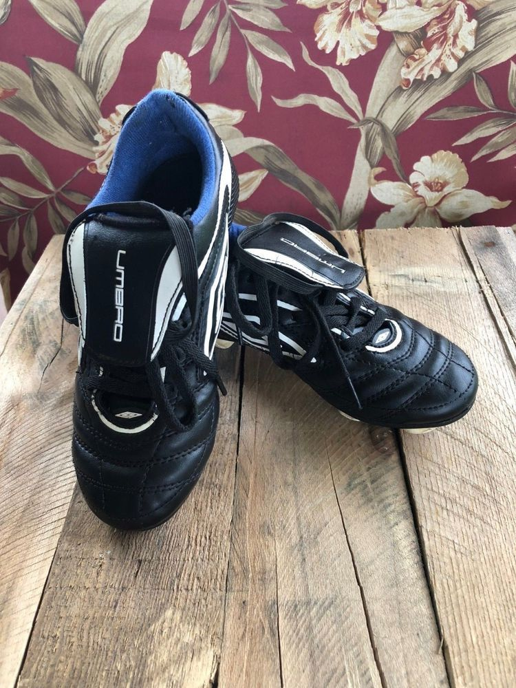 5880b9d9e84 Umbro 3 Corsica Revolution Boys Youth size 1 Soccer Shoes with cleats  Umbro   SoccerShoe