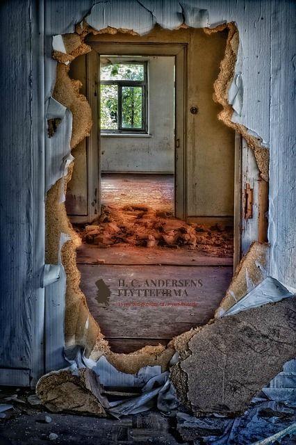 Sådan ser dit nye hjem forhåbentligt ikke ud. Få inspiration til indretningen her: http://bit.ly/Indretning