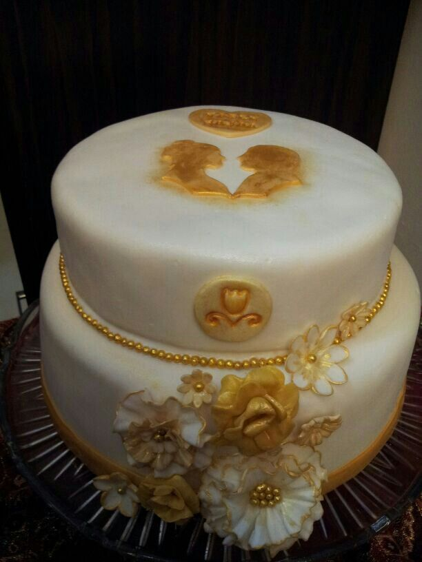 Gold and white engagement cake.. made by ( me )