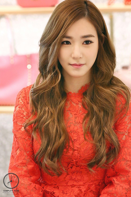 صور عاليه الجوده تيفاني في حدث افتتاح متجر الاكسسوارت Valentino بتاريخ 20 ديسمبر Sone Arab Fans Girls Generation Tiffany Girl Celebrities
