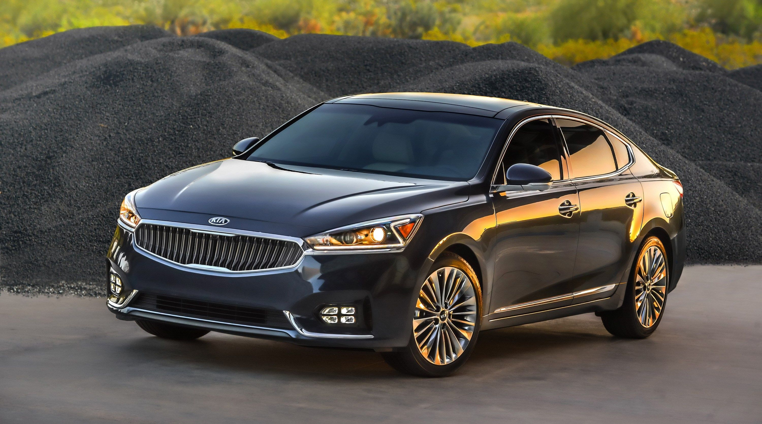 Kia Cadenza Latest News, Reviews, Specifications, Prices