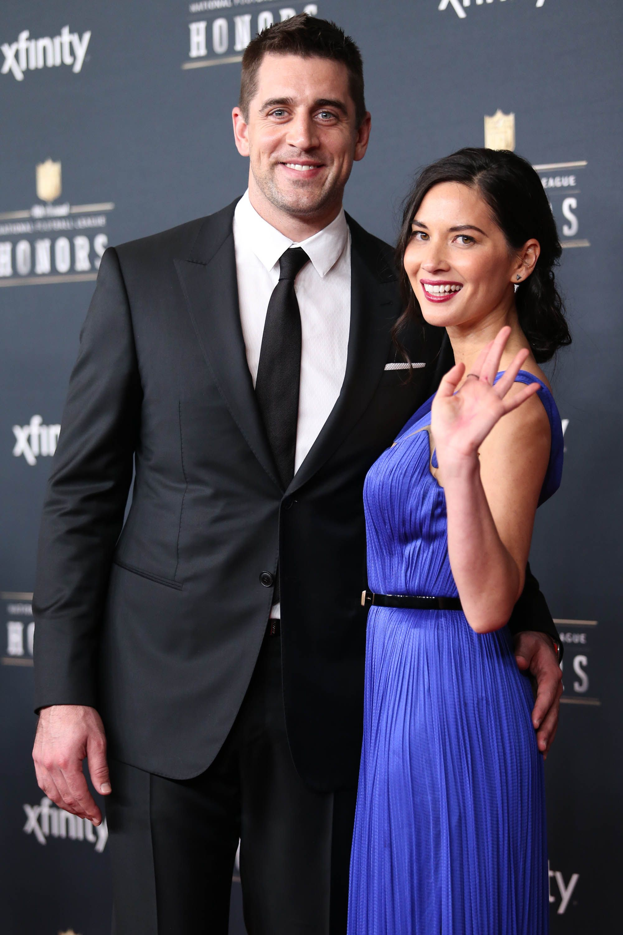 Aaron Rodgers Walks The Red Carpet With Girlfriend Olivia Munn At The Nfl Awards Show Olivia Munn Nice Dresses Celebrity Style