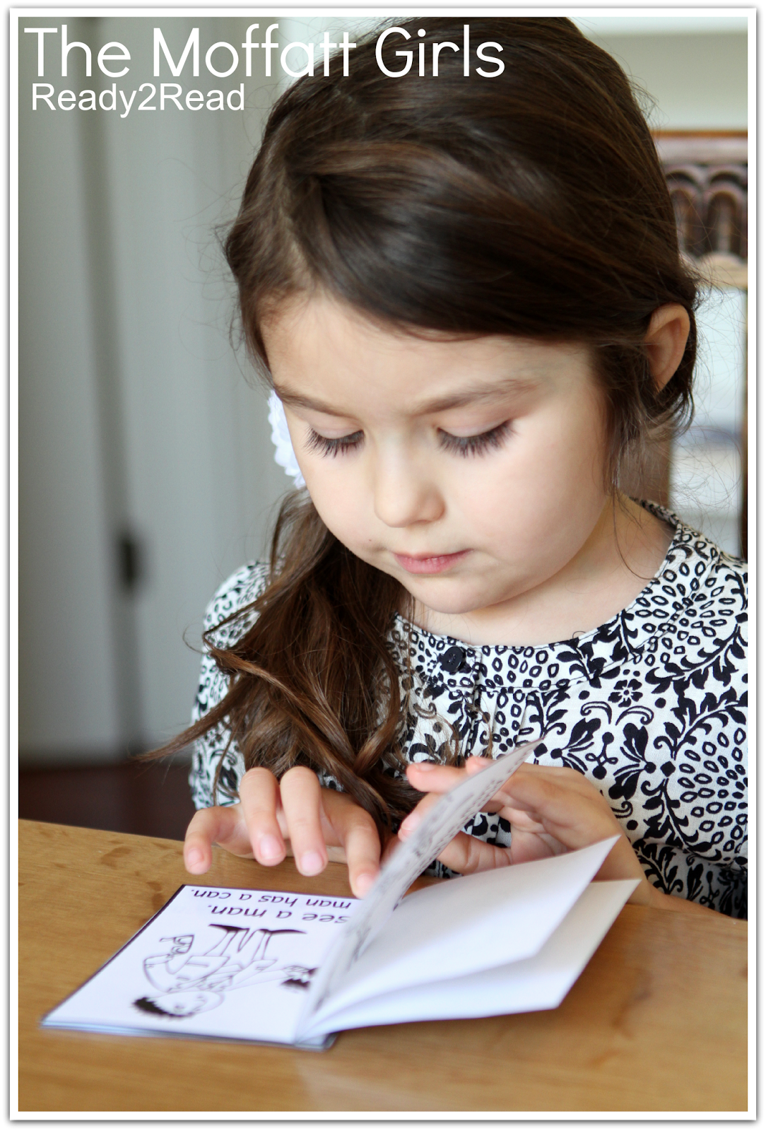 Children love to make mini books!  It's a great way to build confidence in reading.