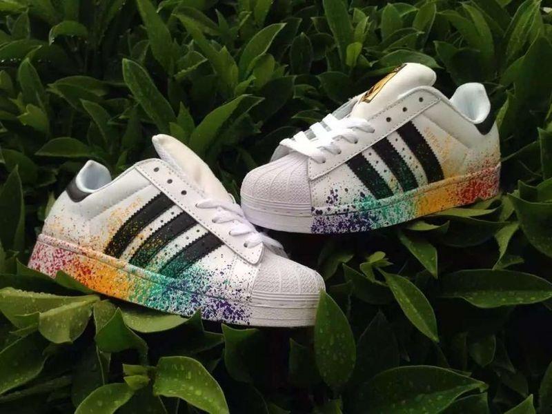 new arrival c32cf d33d2 Adidas Superstar Dame Herre Pride Pack Hvid Sort