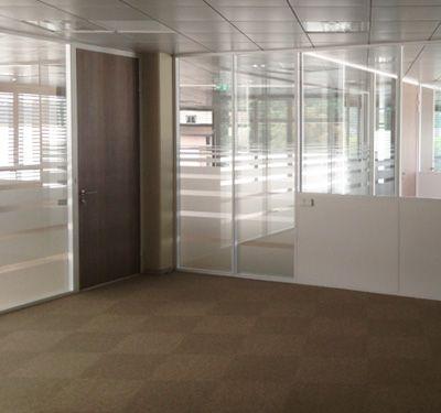 cloison vitrée toute hauteur, vitrophanie, bureaux Idées de bureau