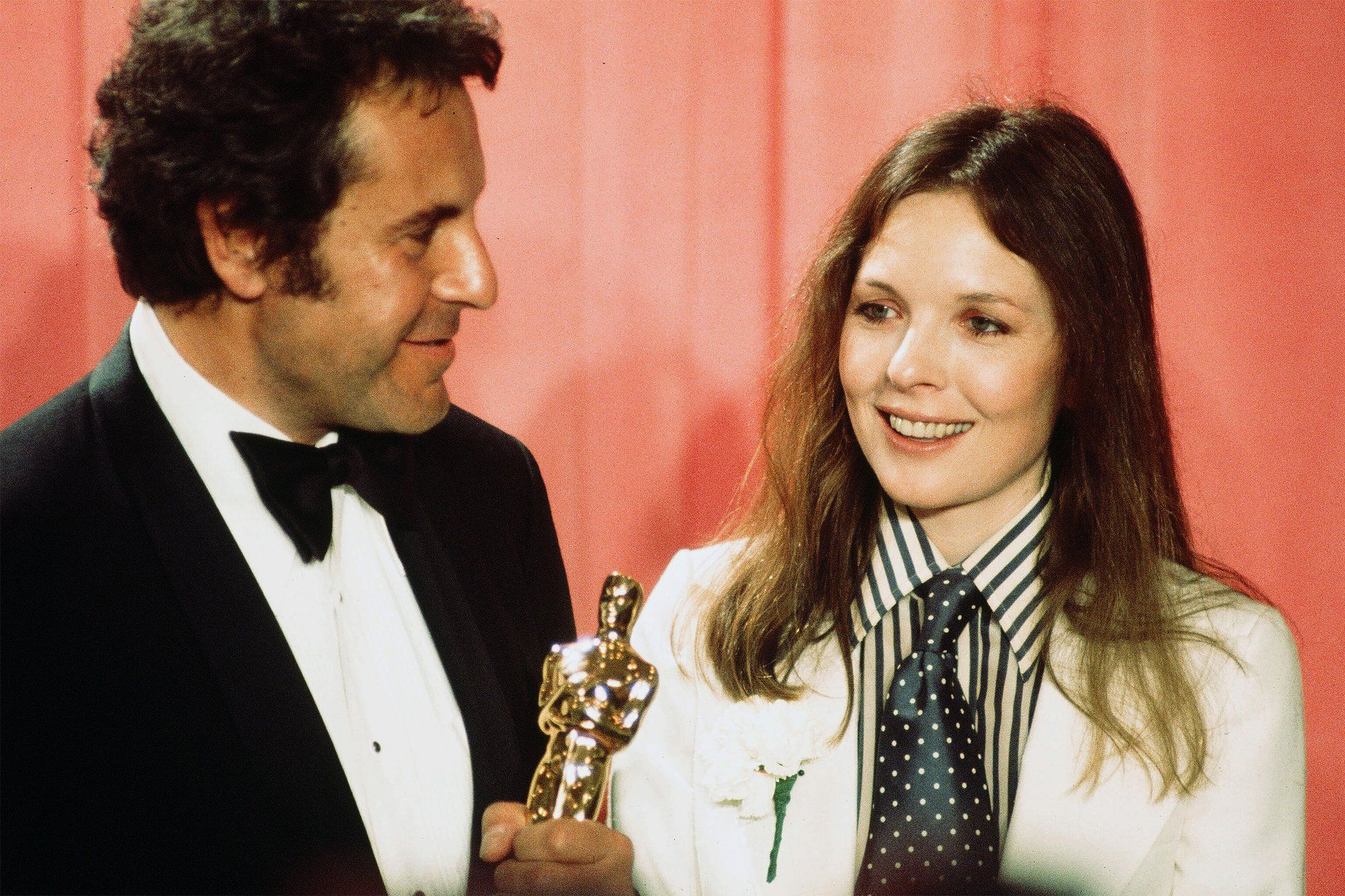 13 Celebrities Who Took Beauty Risks On The Oscars Red Carpet Diane Keaton Hollywood Film Festival Red Carpet Oscars