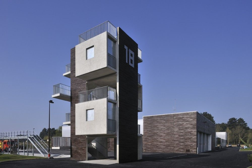 sapeurs pompiers de la baule guerande ddl architectes lorient agence bohuon bertic. Black Bedroom Furniture Sets. Home Design Ideas