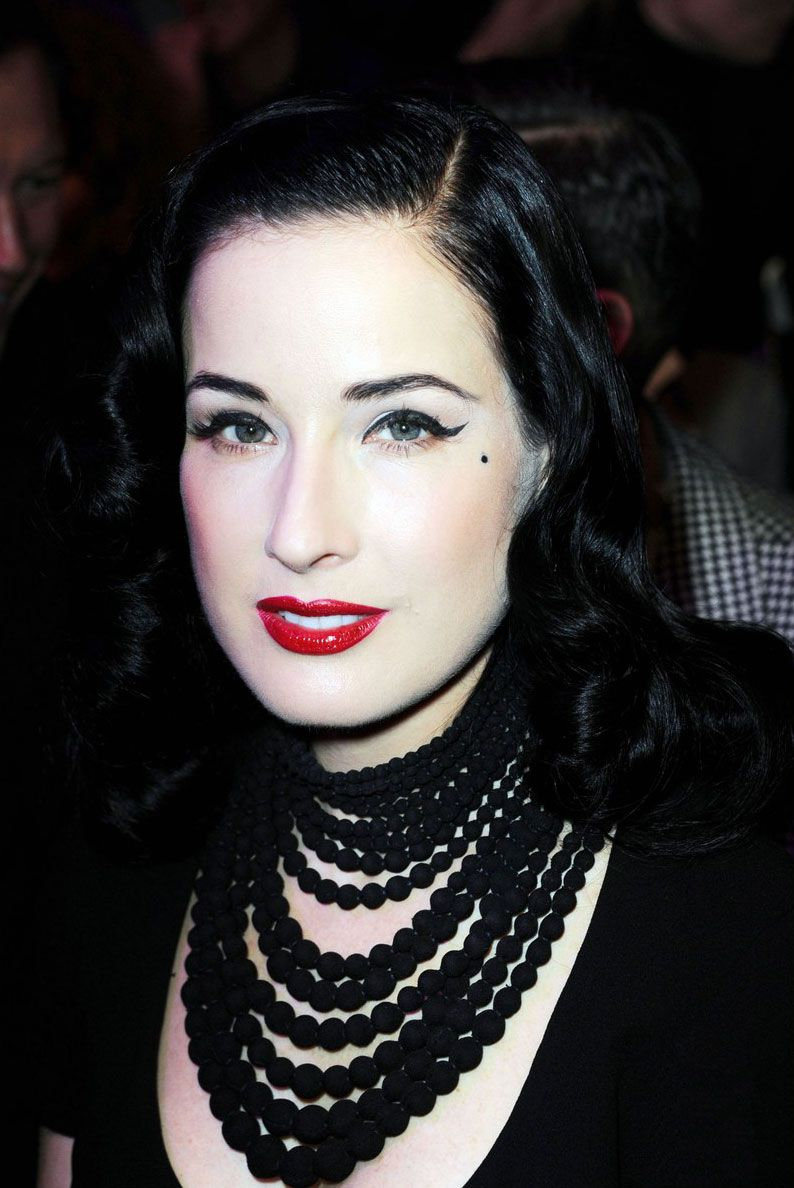Perfect Necklace on Dita Von Teese