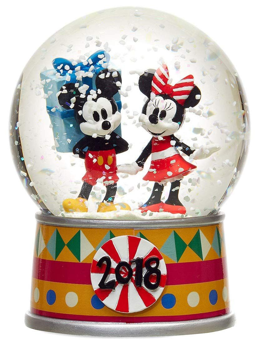 Disney mickey mouse and minnie mouse holiday