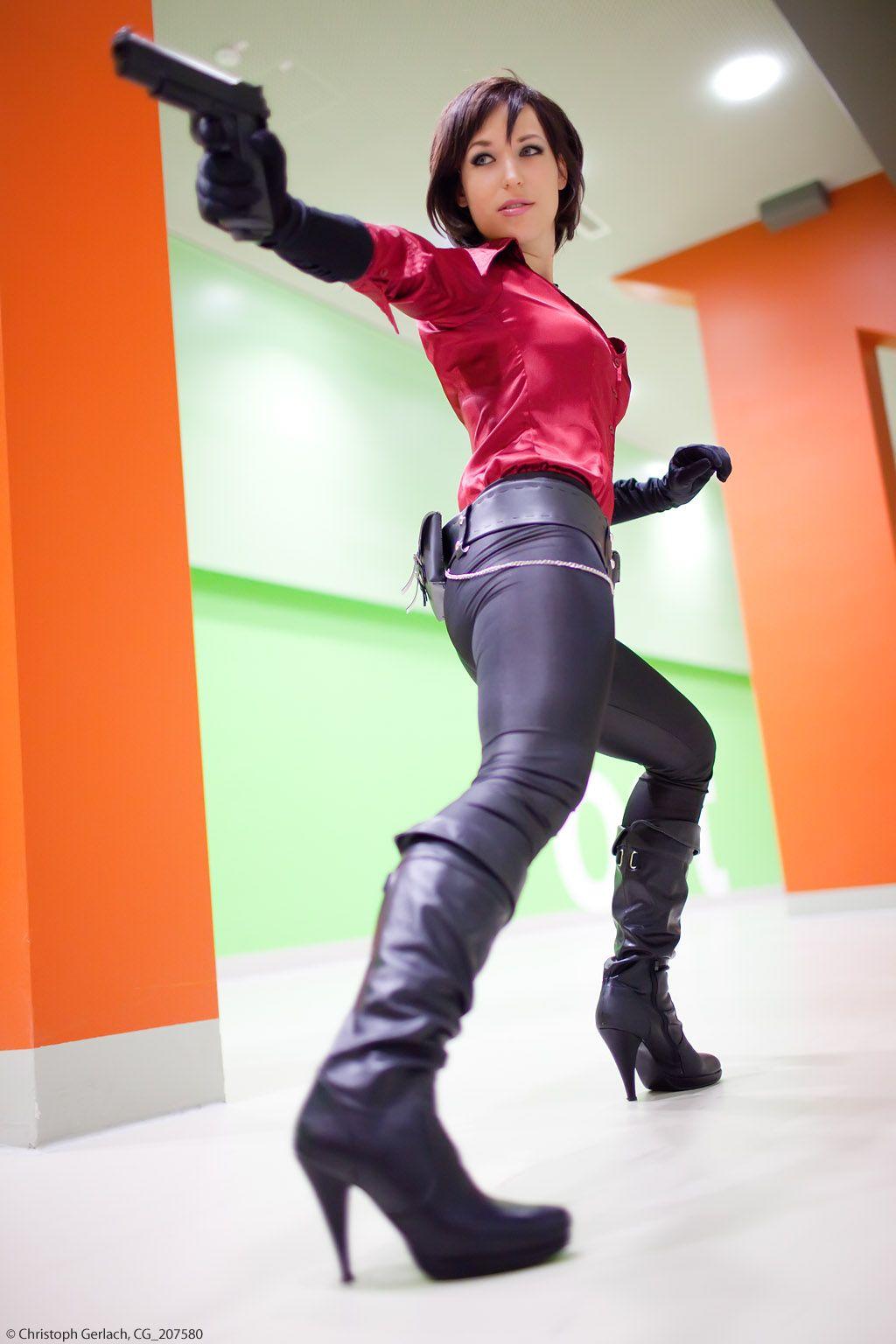Cosplay girl #4 Ada Wong