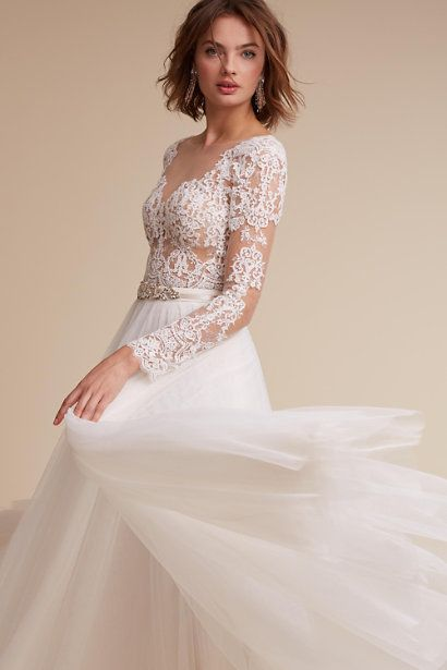 ba5f41127ed Check out these 21 Ridiculously Stunning Long Sleeved Wedding Dresses   http   www