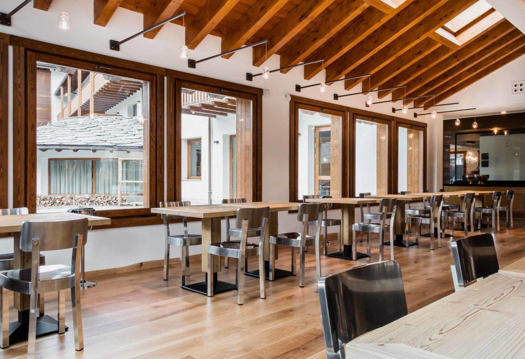 Nira Montana, Restaurant & SPa, La Thuile (AO) - HI LITE Next #lighting #design #fixtures #sospensione #album patata in orbita vetro