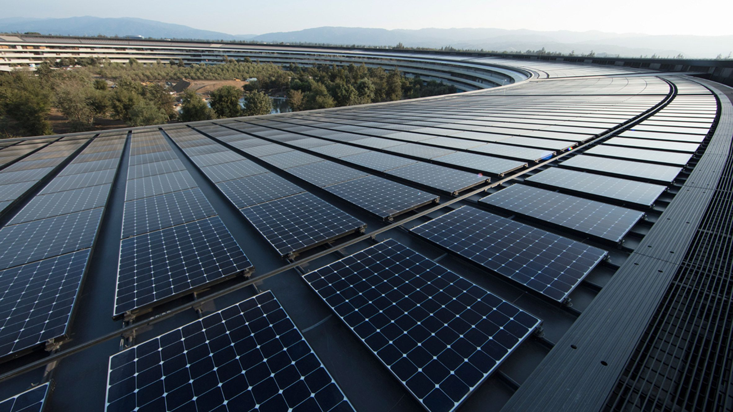 Apple Now Operating On 100 Per Cent Renewable Energy Renewable Energy Solar Solar Panel Technology