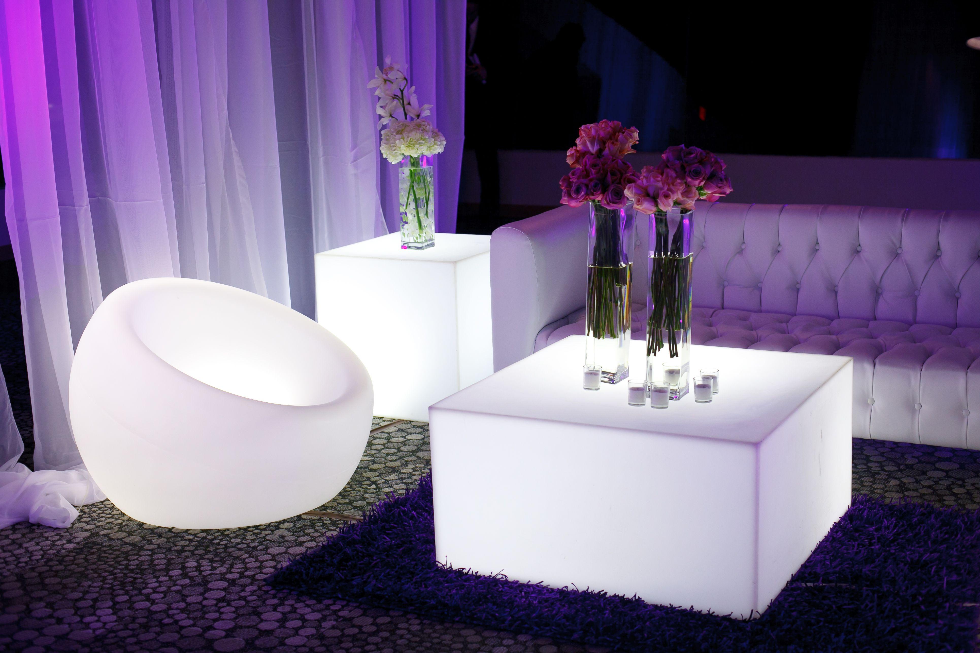 Lounge furniture lounge area led furniture illuminated for Ideas for lounges modern