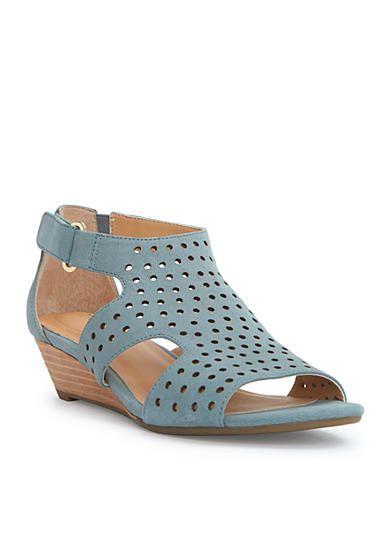 15043b0ce me Too Sydnee Wedge Sandals