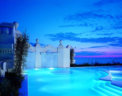 I would love to have this one day. That calm blue