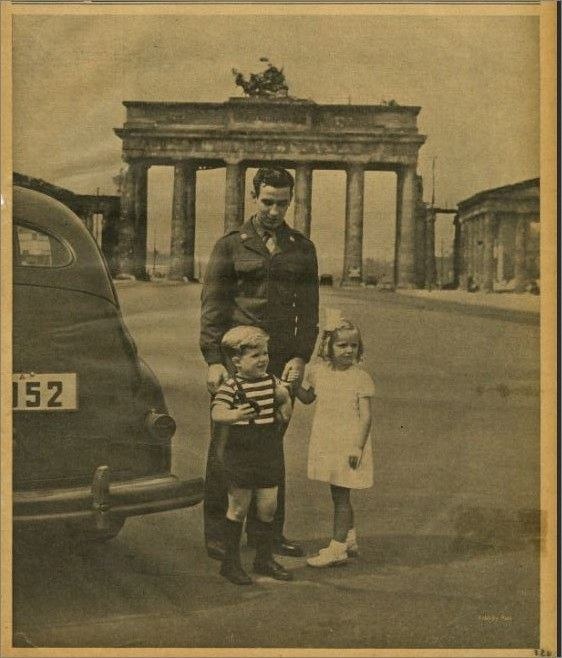 Only A Year After Us Troops Officially Occupy Berlin Military Brats Dependents Have Also Arrived Accompanying Their Berliner Mauer Berlin Olympische Spiele