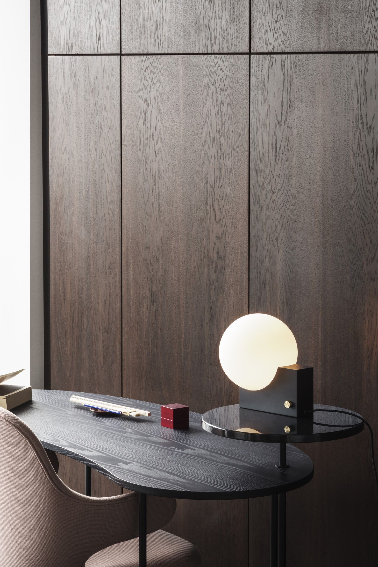 Palette Jh9 Desk For Tradition In 2020 Coffee Table Design Contemporary Lighting Design Black Table Lamps