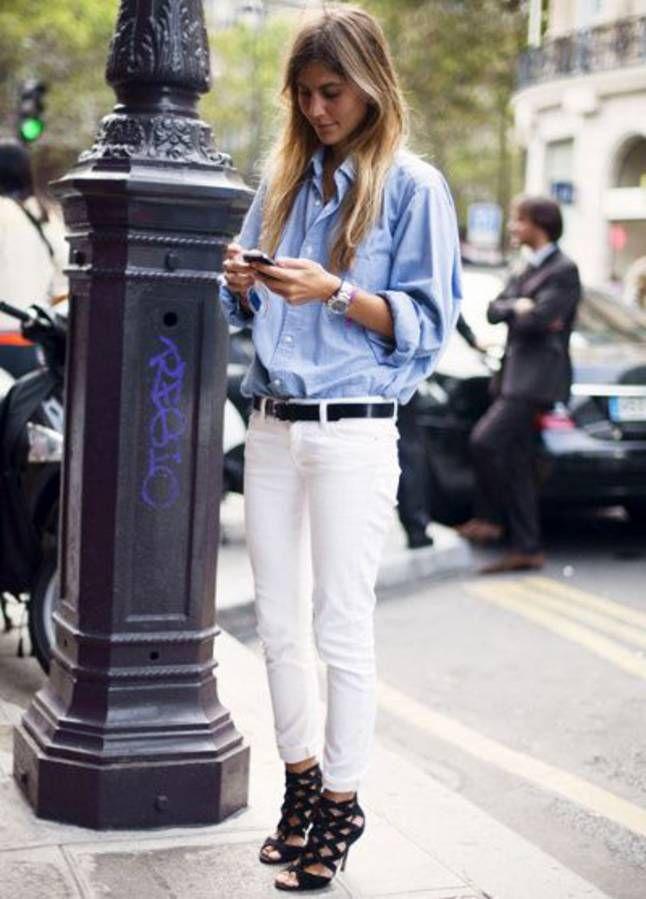 Avec un jean blanc