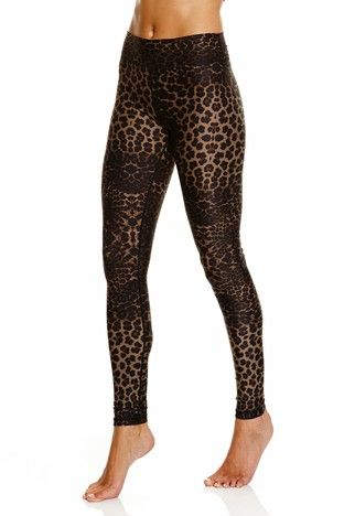 411ef365a4d5 Yoga Pants · Pilates · Active Wear · Contrast · Gotta get me some of these!  No doubt I will run fast! @stylerunner
