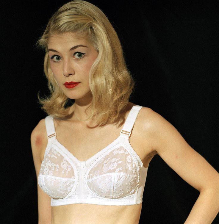 German pretty girl nude