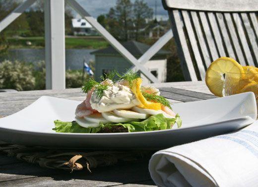 Danish Smørrebrød open faced shrimp sandwich - perfect for parties in smaller size!