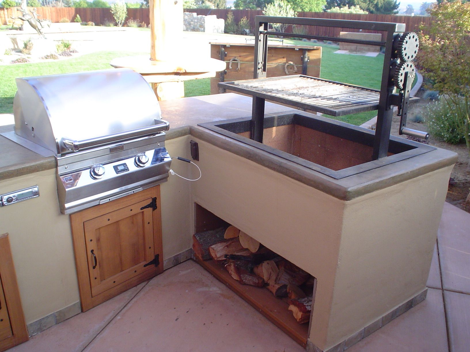 Custom Fabricated Santa Maria Grill With 430i Aurora Fire Magic Grill Built In Bbq Backyard Grilling Outdoor Kitchen Design