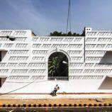 Creative and Smart Typographic Sundial in India – Fubiz Media