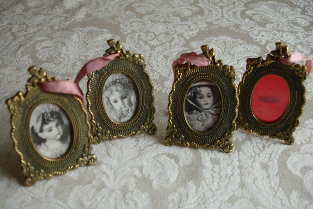 Details about VINTAGE ORNATE VICTORIAN BRASS MINI PICTURE