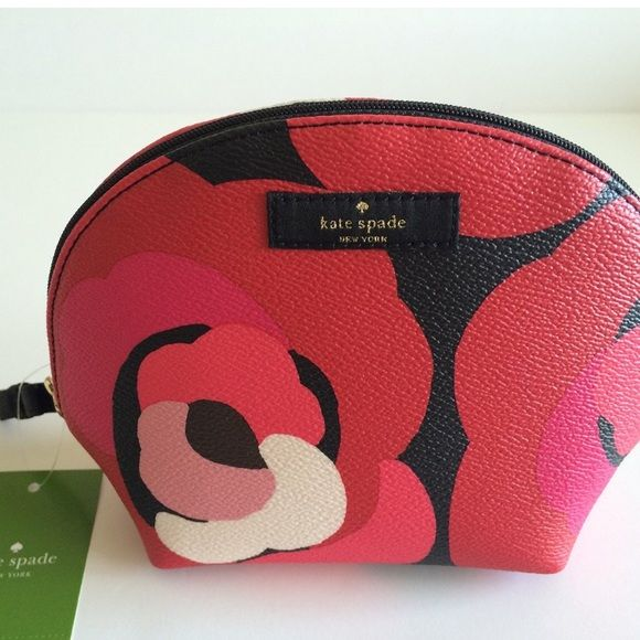 Kate Spade brightwater cosmetic case Features Kate Spade Keri Brightwater Drive Cosmetic Bag Dcorsonrd WLRU2257 Product Details Product Dimensions: 7.5 x 5.5 x 2.5 inches Shipping Weight: 4 ounces ASIN: B014GSNSAA kate spade Bags Cosmetic Bags & Cases