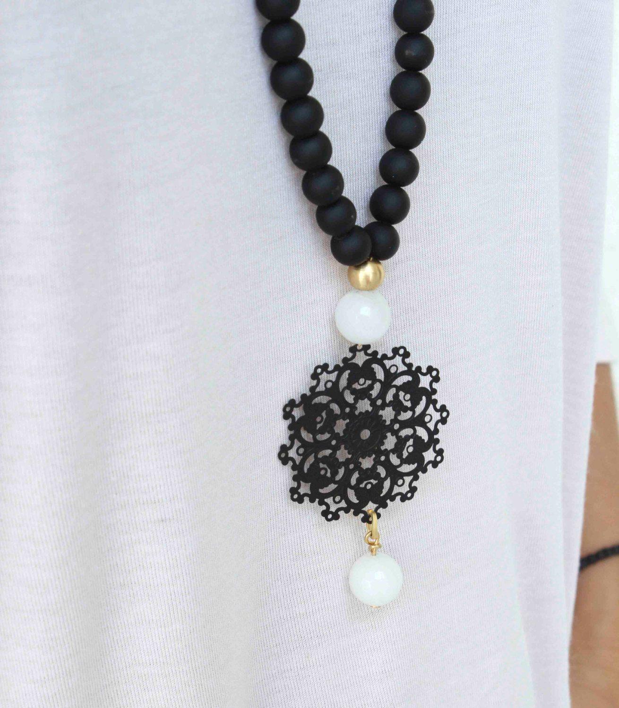Blanco y negro collar colgante largo collar collar negro