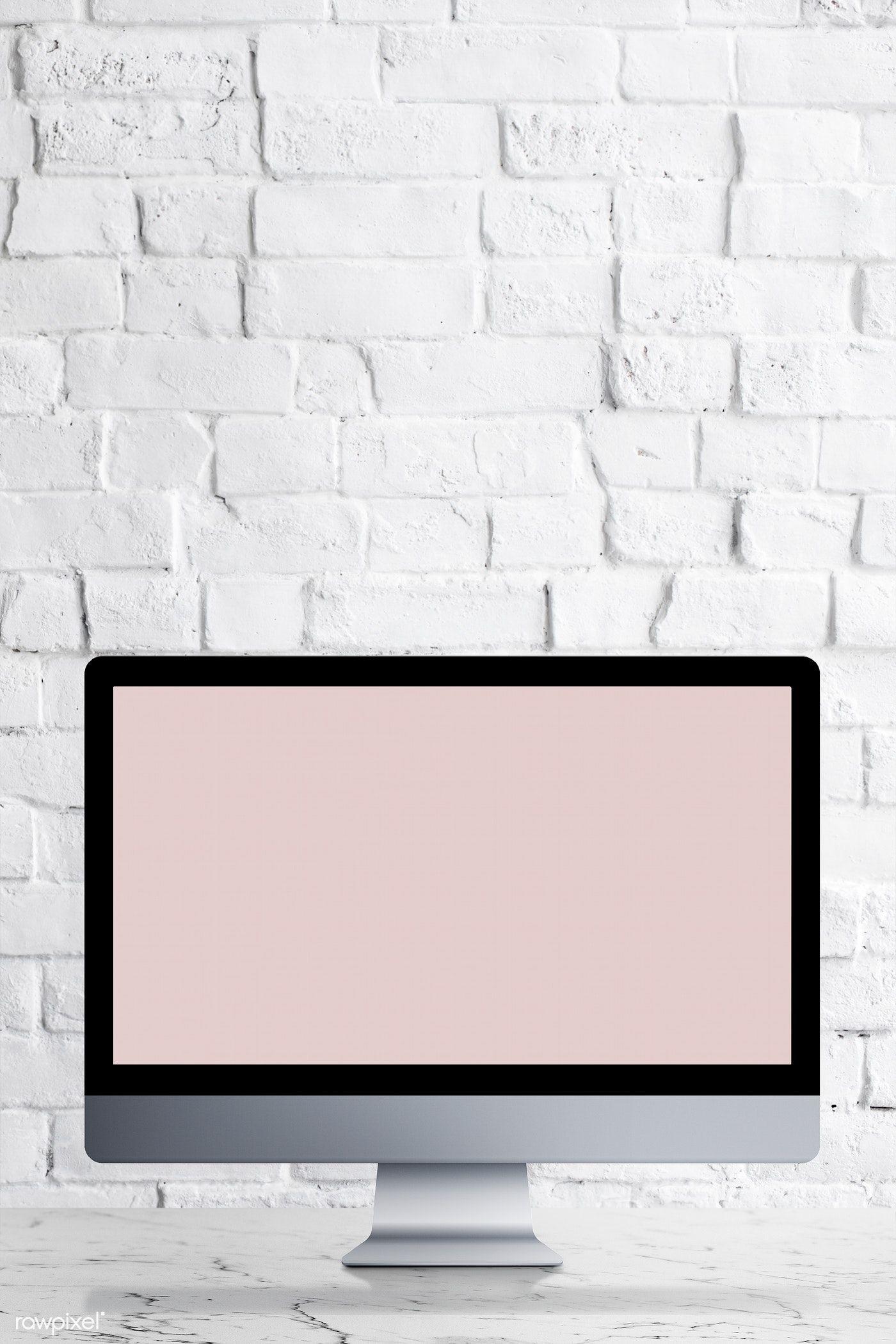 Download Premium Psd Of Desktop Computer With Screen Mockup On A White Ideias Instagram Papel De Parede Fofinhos Ideias