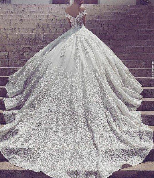 Pin von Dee Andrews-Wilhelm auf Wedding dresses | Pinterest ...