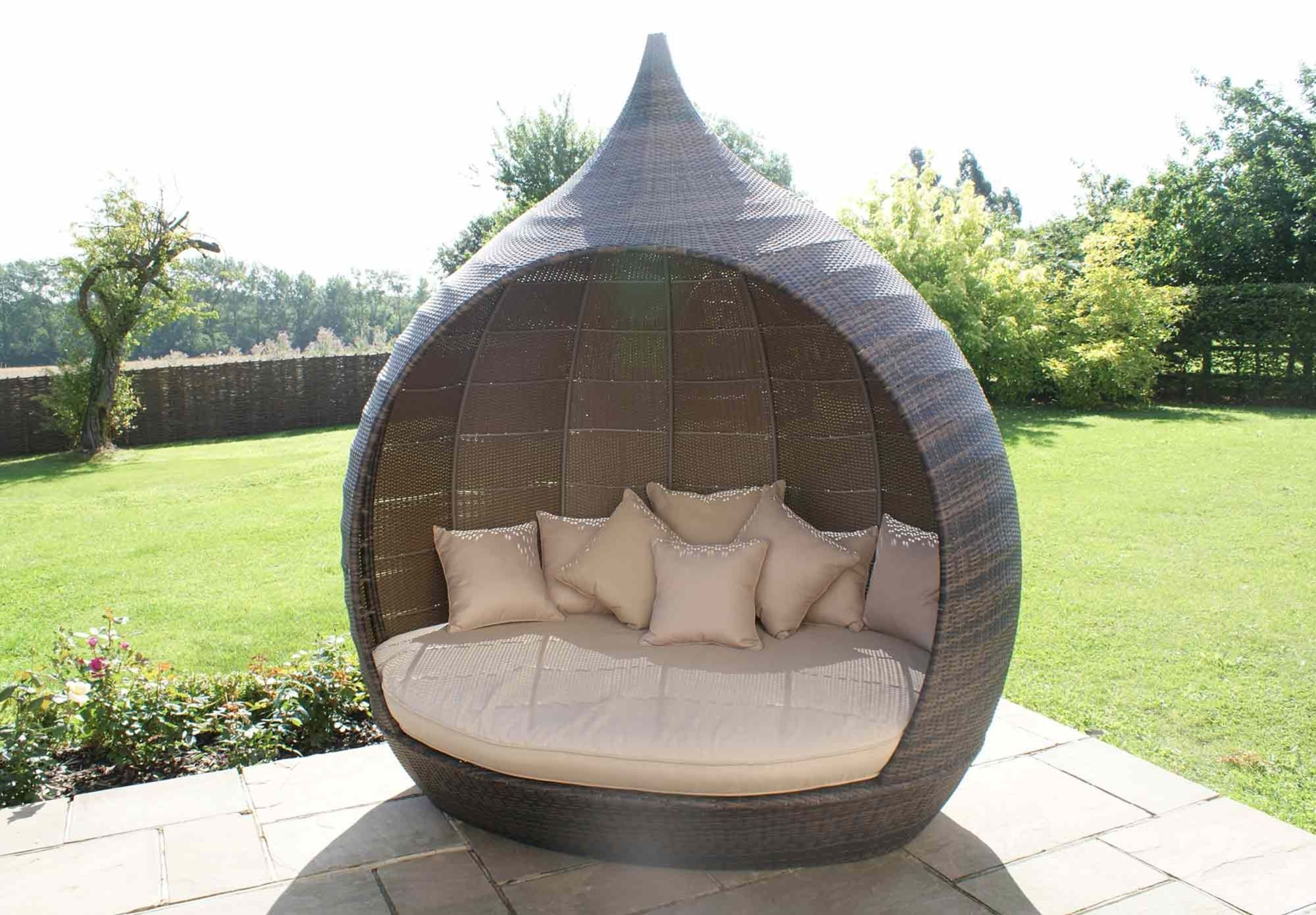 Outdoor Rattan Sofa Uk Microfiber Sectional With Pull Out Bed Daybed Pear Effect Garden Furniture