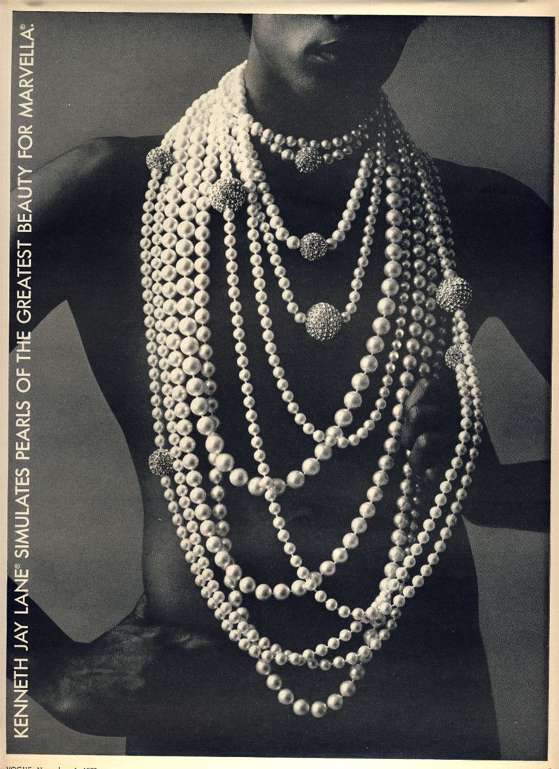 Kenneth Jay Lane simulates pearls of the greatest beauty for Marvella | Vogue 1972