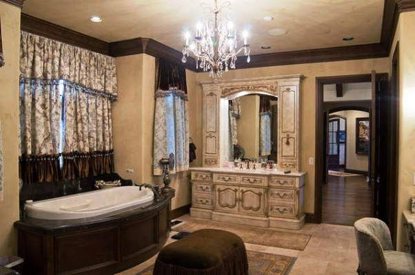 On Beautiful Home Decoration With Amazing Tudor Interior Design Ideas Andie Macdowells Bathroom Antique Property