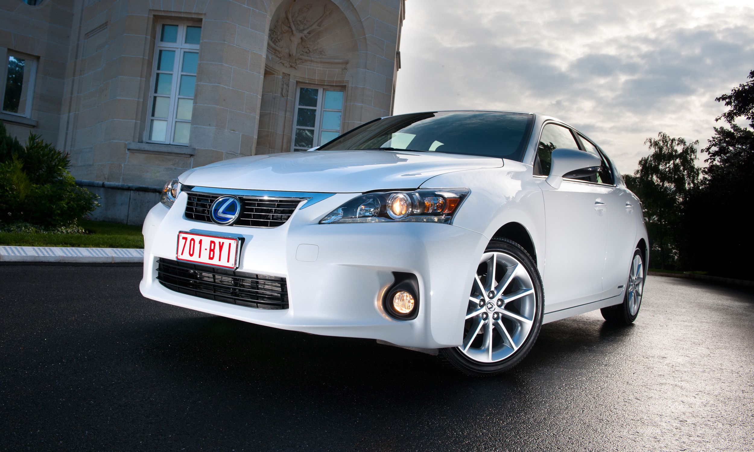What's the best valuehybrid or gas? Lexus, Lexus ct200h