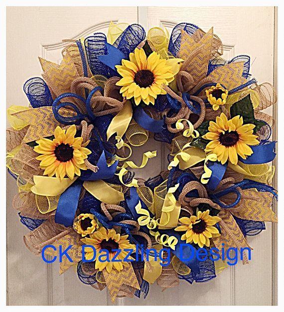 Photo of Sonnenblumenblau, Sackleinen und gelber Deko-Netzkranz / Sonnenblumenkranz / Sackleinen Sonnenblumenkranz / Frühlingskranz / Sommerkranz / Herbstkranz