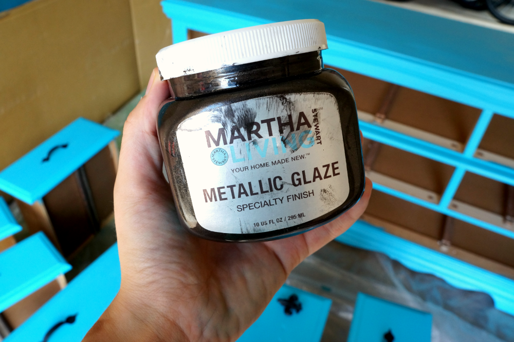 homemade Martha Stewart Black Coffee Metallic Glaze | The Baking Fairy